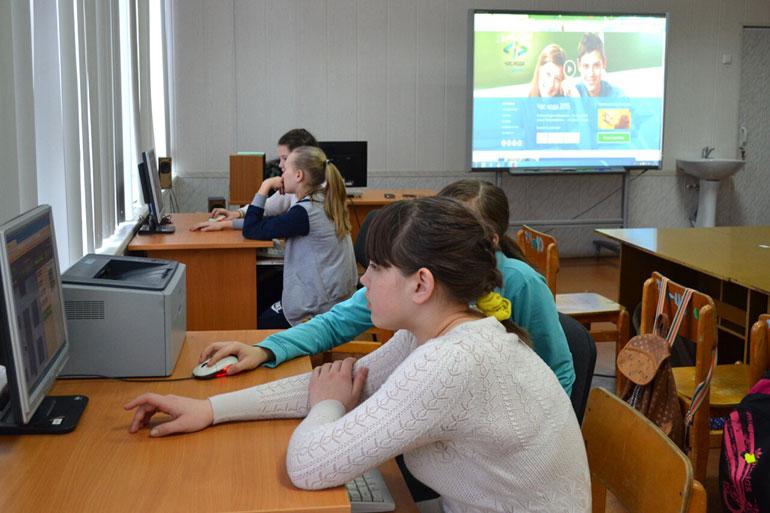 Сколько учеников учится в сельских школах
